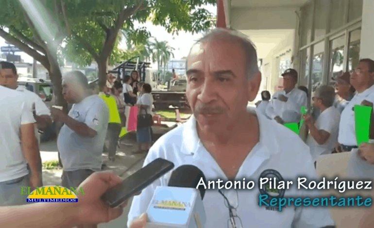 Manifestación de jubilados ante el Infonavit, Cd Valles