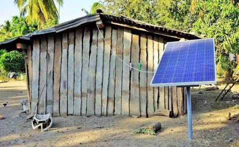 Llevan electricidad a comunidades lejanas