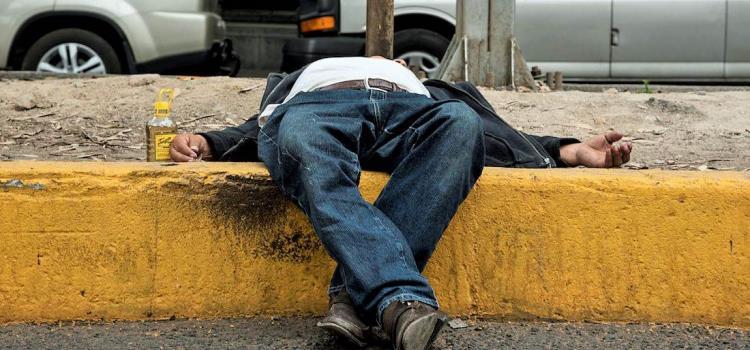 Peligro mortal por alcohol adulterado