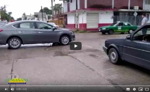 Choque de vehículos en la colonia Obrera
