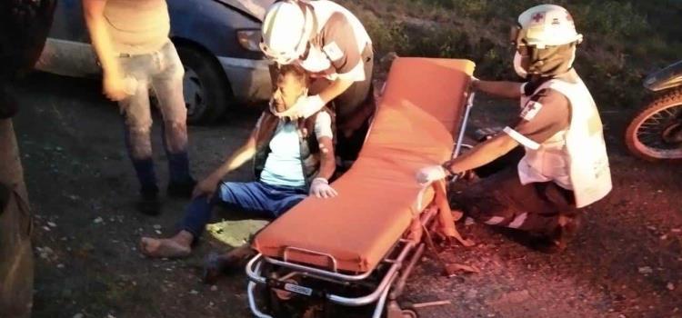 Dos lesionados dejó volcadura