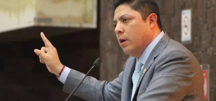 Gallardo exonerado de violencia política