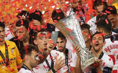 Autorizó UEFA el regreso de público