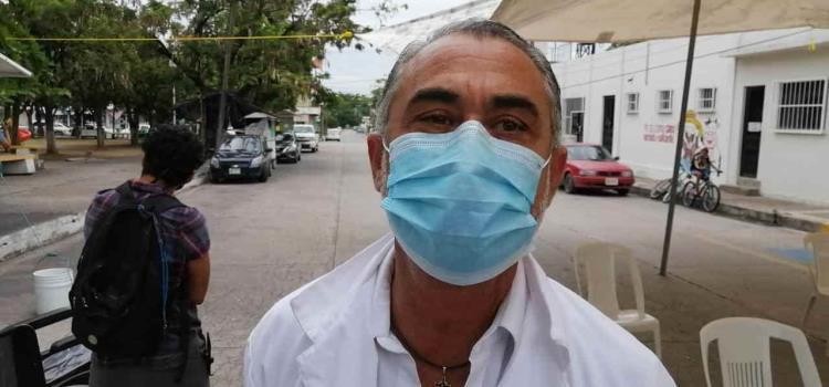 Médico de Duarte atiende en Valles