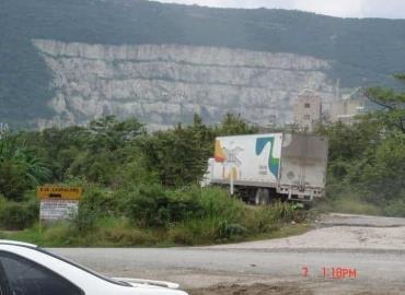 Cementera destruye la reserva Tanchipa