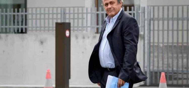 Platini y Blatter son interrogados en Suiza