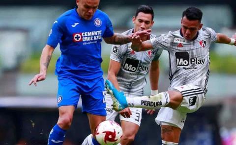 Cruz Azul defiende liderato ante Atlas