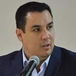 Juan Fco. Aguilar Hdz. ... Los divide.