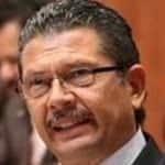 Octavio Pedroza Gaitán ... Firme.