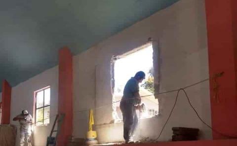 En capilla sigue remodelaciones