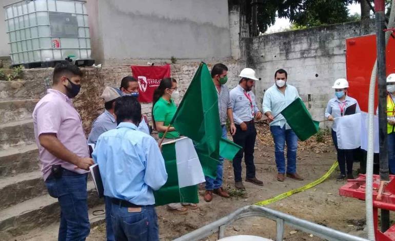 Inicia Alain Azuara edificación de pozo