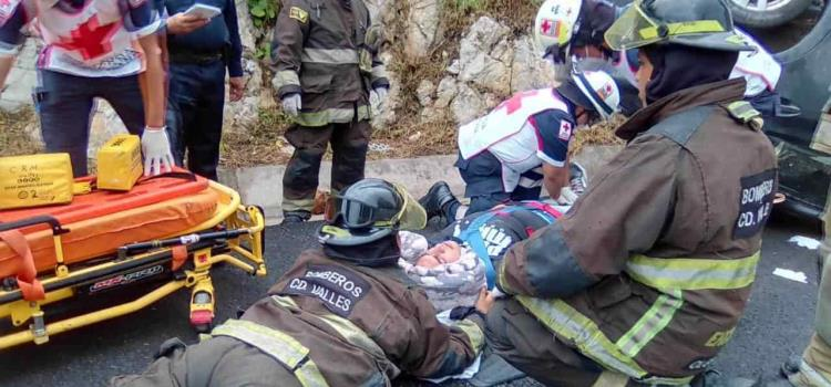 Dos heridos en una volcadura