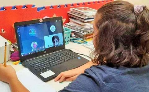 """Estrés infantil por """"clases en línea"""""""