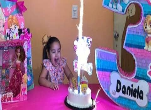 Colorido festejo a la peque Daniela