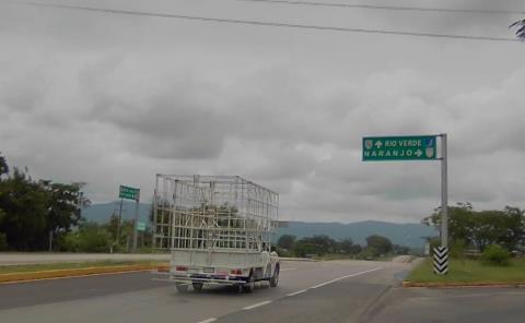ASALTO EN LA VALLES-RIOVERDE