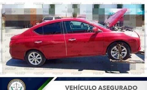 Automóvil robado recuperó la FGE