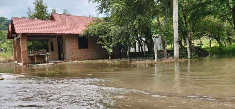 Inundaciones dejó tormenta