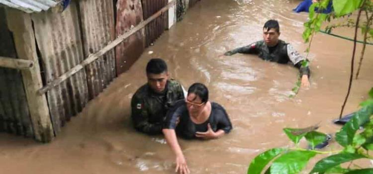 ¡Se desborda el río en Tamazunchale!