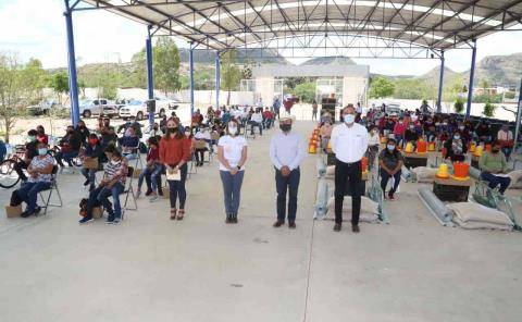 Lorena Valle ayudó a Ahualulco y Salinas