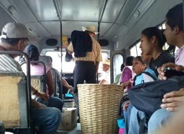 Pésimo servicio da el transporte público