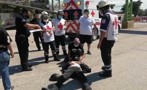 Motociclista herido en fuerte choque