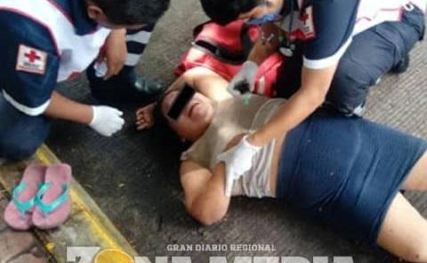 """Mujer atacada por """"loco"""" tipo"""