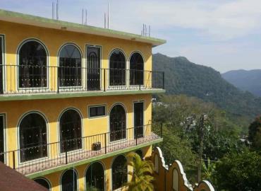Hoteleros esperan llegada de turistas