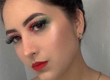 La hermosa Danna, festejó el Grito de Independencia. Puro México en la piel.