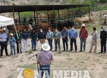 Entregaron sementales a ganaderos cerritenses