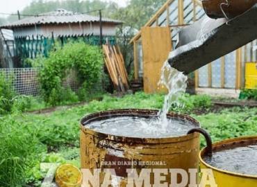 Exhorta a clorar y hervir el agua