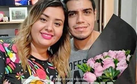 Adriana e Israel Díaz felices en aniversario