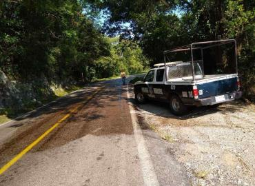 Peligro vial por diesel derramado