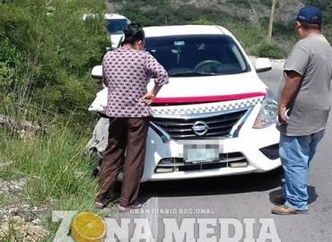 Taxis colisionaron; embarazada herida