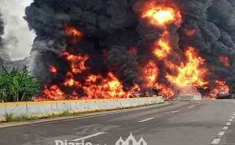 Pipa explota  en Tabasco