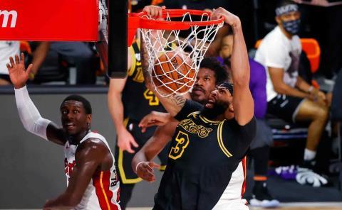 Lakers con medio título en sus manos