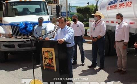 Entregaron nuevos camiones cisterna