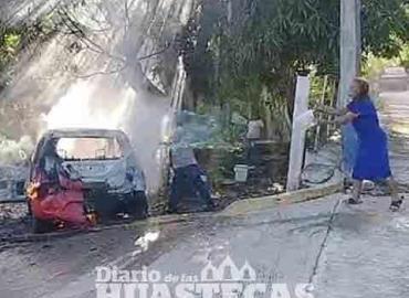 Ardió taxi