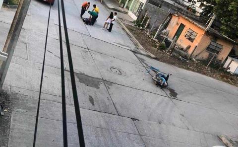 Moto destrozada por un vehículo