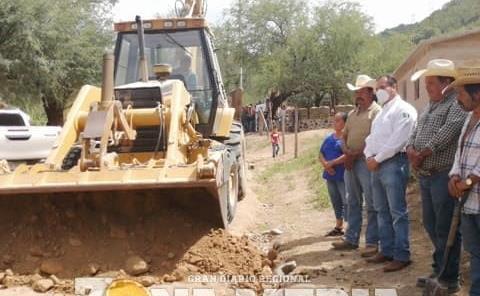 Ramón Torres entregó obras en sierra de RV
