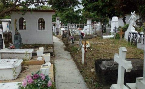 Visiten cementerios con responsabilidad