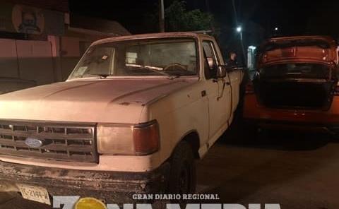 Camioneta chocó con vehículo estacionado