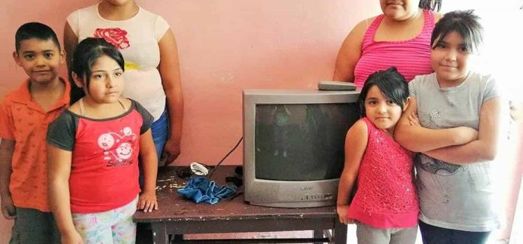 Hacen donativo de televisiones