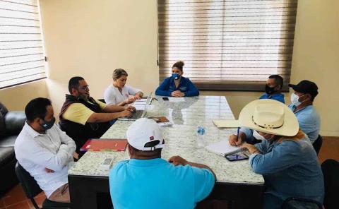 Sesionan con Alcaldesa comités de agua potable