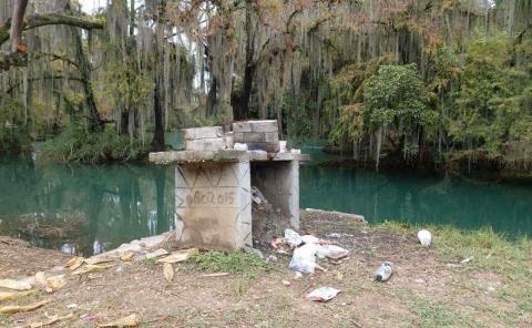 Turismo contamina con desechos los afluentes
