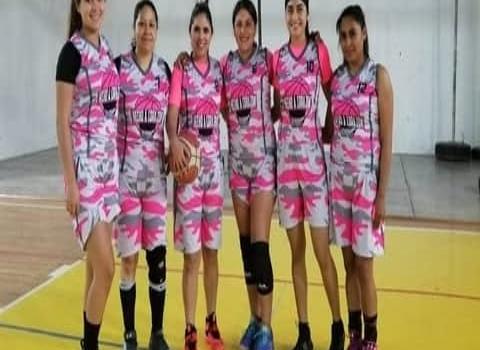 Hecho a Corazón derrotó a Sisters en el basquetbol