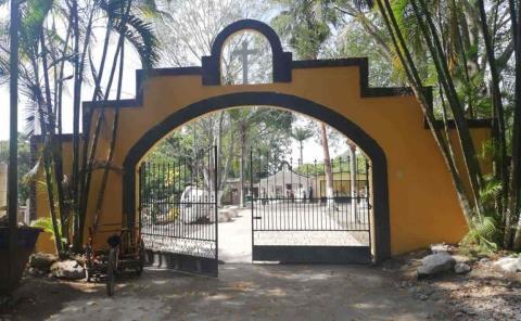 Asean panteón en San Vicente