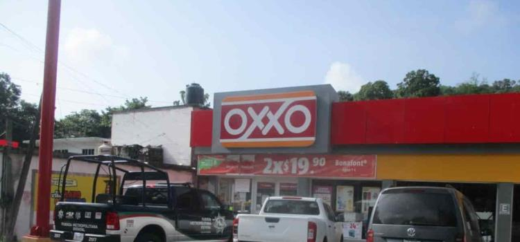ASALTARON EL OXXO