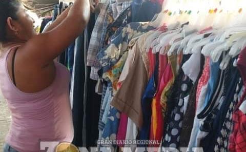Venta de ropa usada es fuente de ingresos
