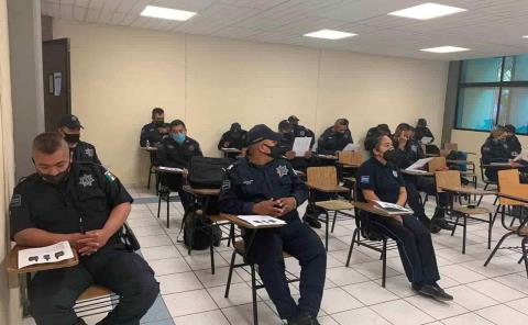 Capacitan a polis en la Huasteca Sur