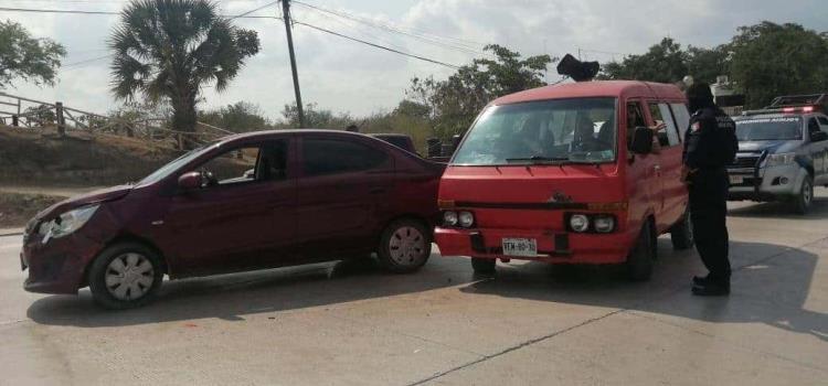 Dos vehículos colisionaron